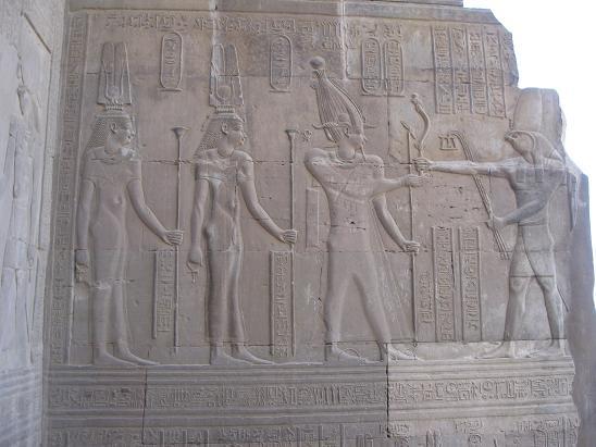 エジプト旅行:コムオンボ神殿 レリーフ⑤
