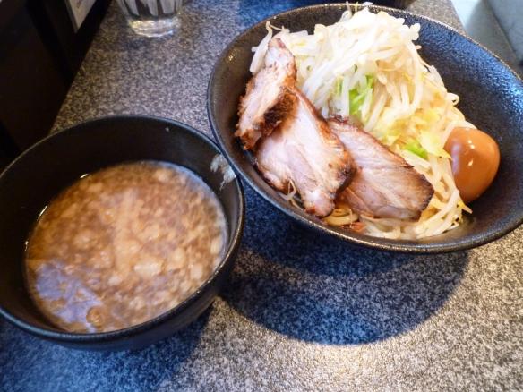 11年1月16日 麺バカ 豚醤油つけ麺 大盛 ニンニク