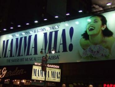 MAMMA+MIA!-1_convert_20111029101922.jpg
