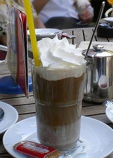 432px-Eiskaffee_mit_Sahne.jpg