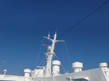 船から見る青い空