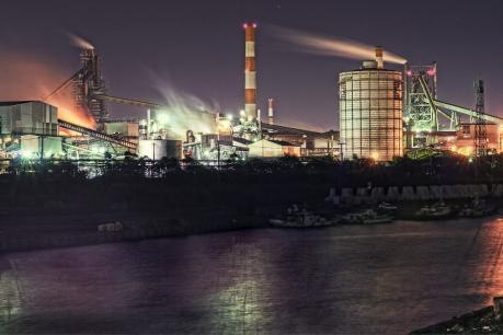 鹿島臨海工業地帯の製鉄所夜景