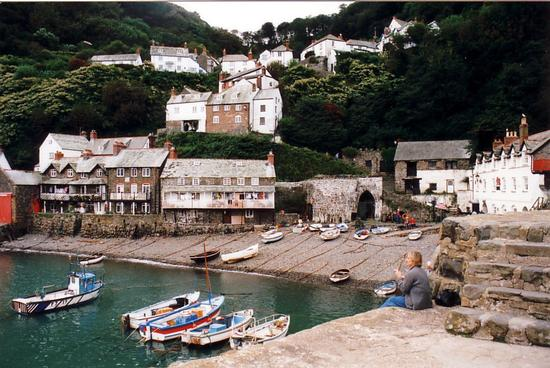 england_first_t_1057039260_22_clovelly_beach.jpg