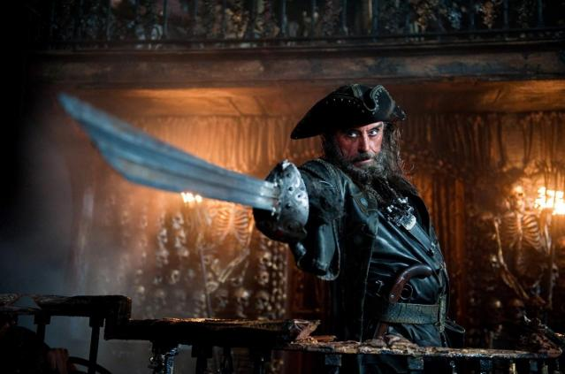pirates_4_blackbeard_sword_photo1.jpg