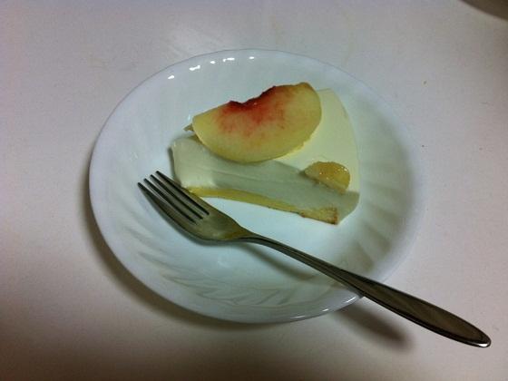 桃のレアチーズケーキ2。