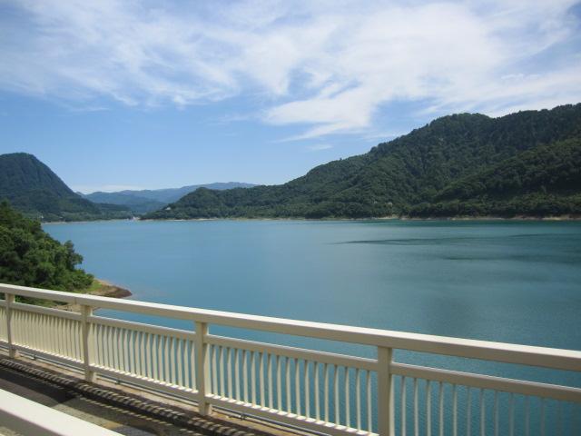酸性水の玉川ダム