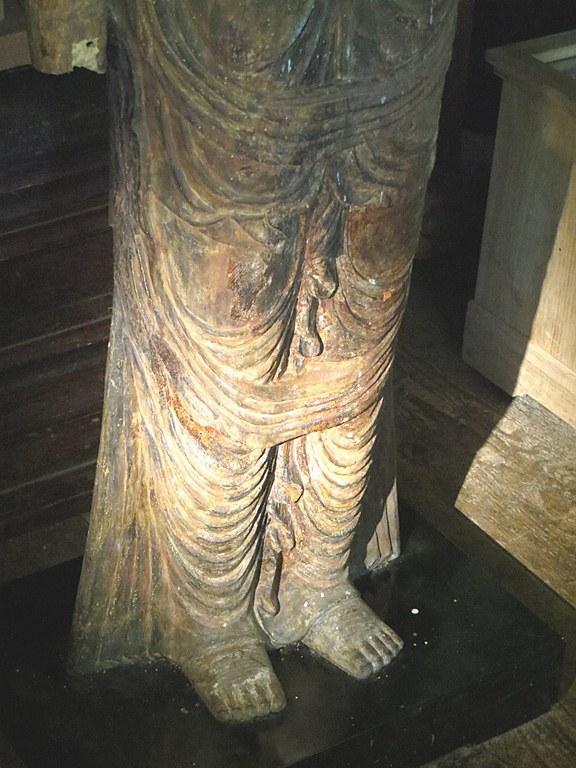 小沼神社・聖観音立像脚部