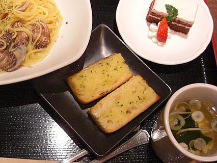 寧々家 パスタセット(ガーリックトースト、スープ、デザート)