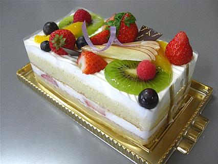 パンケーキ工房 クロワッサン フルーツケーキ