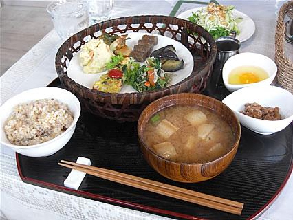 Healing Space Myuu(ヒーリングスペース ミュウ) 玄米菜食ランチ(780円)