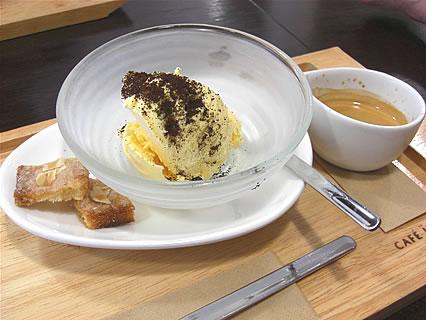 CAFE JEEBA(カフェ ジーバ) アッフォガート(バニラアイス)(480円)