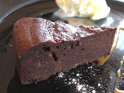 アグレアーブル ランチセット(アグレアーブル定番の濃厚ガトーショコラ) 濃厚ガトーショコラ