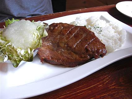 Restaurant NORTH VILLAGE(レストラン・ノースビレッジ) 熟成ポークステーキプレート(1280円)