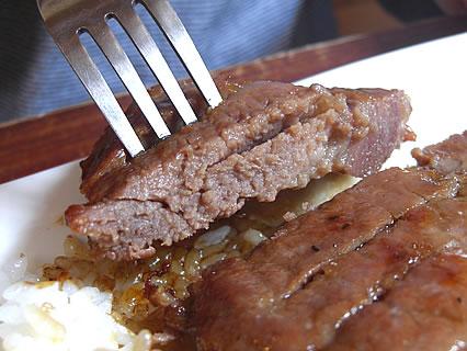 Restaurant NORTH VILLAGE(レストラン・ノースビレッジ) 熟成ポークステーキプレート 熟成ポークステーキ 断面