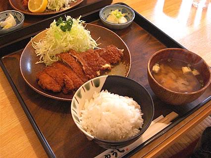 ゆうじ チーズとんかつ定食(780円)
