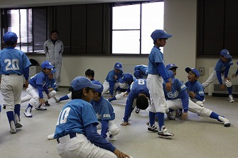 20110321室内練習+たくみ送別会 (3)