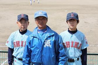 201104101瑞希_池田監督_孝佑記念写真 (2)