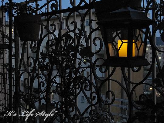 夜はランプで・・・.jpg