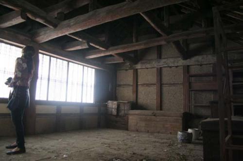 廃屋古民家2階部屋