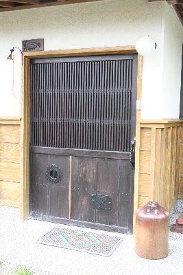蔵戸の玄関扉