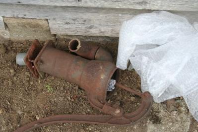 古井戸ポンプ