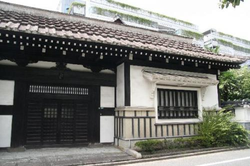 日本民藝館西館長屋門入り口