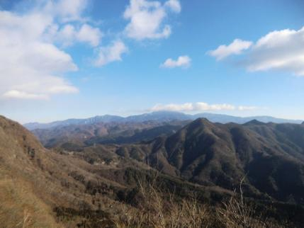 稜線まで来れば、金峰山、瑞牆山が
