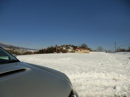 駐車場の様子、除雪してない