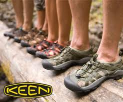 レディース登山靴ではメレル ...
