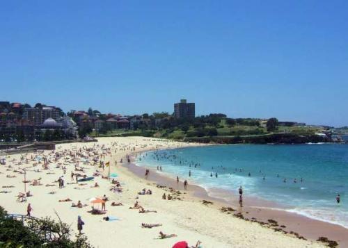 Coogee-Beach-Sydney-Australia_convert_20110123192312.jpg