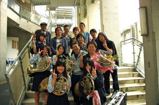 熊本県立第二高校での演奏