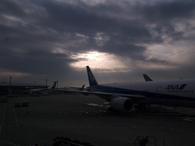 100219_002_成田空港