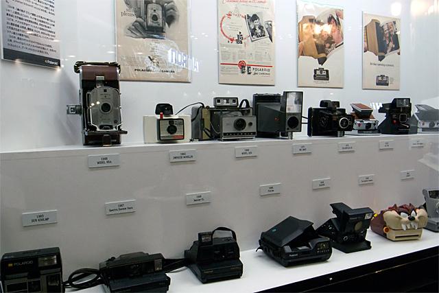 100311_006_ポラロイド歴代カメラ