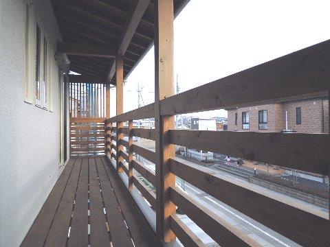 二階バルコニー