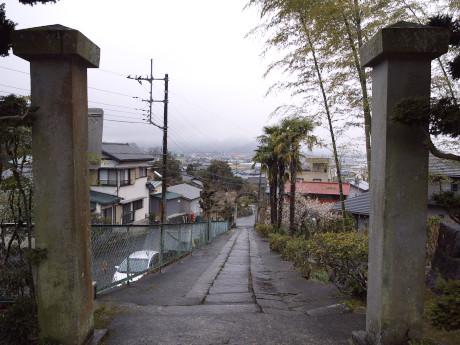 10香山寺門より