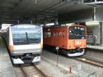 豊田駅に並ぶ新旧車両