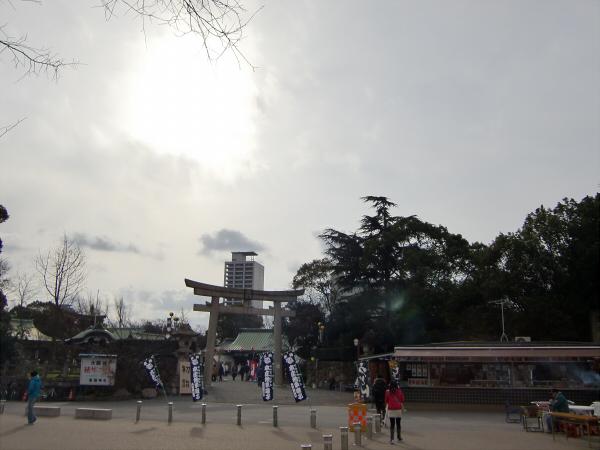 豊国神社で元日初詣01