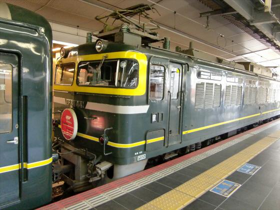 大阪駅でトワイライトエクスプレス撮影03