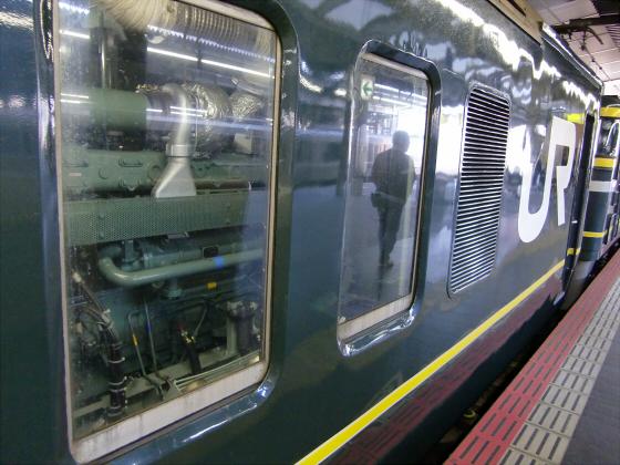 大阪駅でトワイライトエクスプレス撮影04