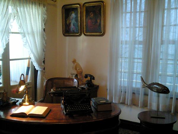 神戸 鱗の家・鱗の美術館2