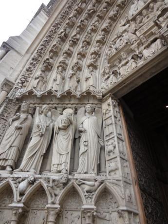 聖母マリアの入口