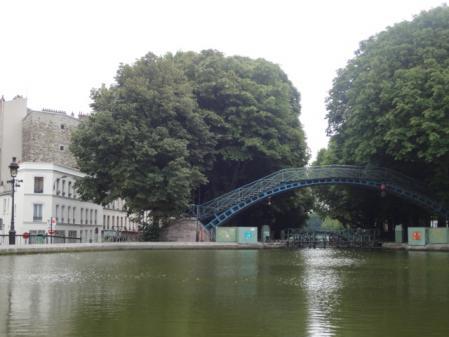 運河のほとり