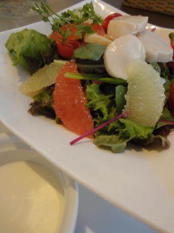 帆立とグレープフルーツのサラダ