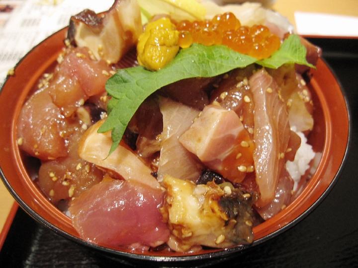 えびす大黒で海鮮漬丼食べてま~す!