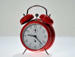https://blog-imgs-37-origin.fc2.com/k/o/s/kosstyle/alarm_clock.jpg