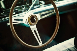 https://blog-imgs-37-origin.fc2.com/k/o/s/kosstyle/steeringwheel.jpg