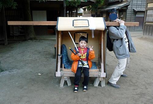 太秦映画村2011-村の中ー駕篭に乗って