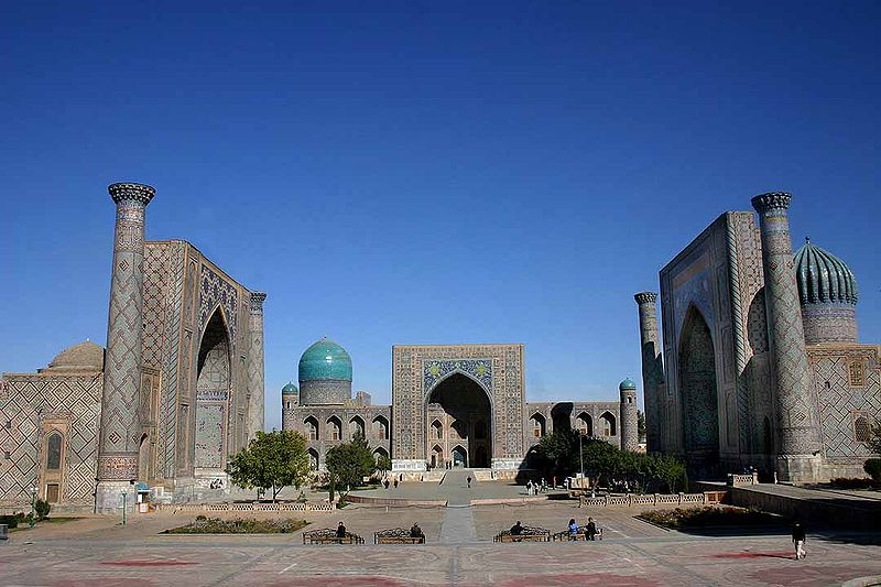 800px-Registan_-_Samarkand_-_15-10-2005.jpg