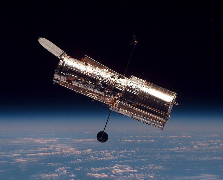 740px-Hubble_01.jpg
