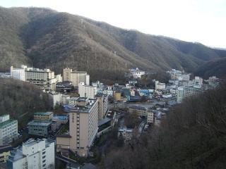 800px-Noboribetsu_hot_spring_resort01_convert_20111006004329.jpg